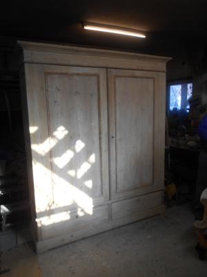 Ruhás szekrény 200x180x50